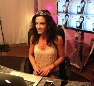 Dem spielen dildo webcam sasha mit