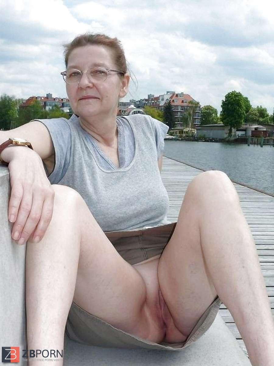 Frauen arsch reife pussy milf haarige reife