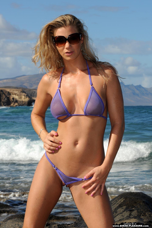 Nude beach girls wallpaper bikini pleasure