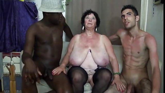 Titty schwarz frauen mit groe