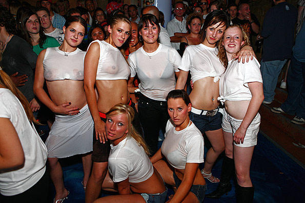 Girls t shirt contest wet college