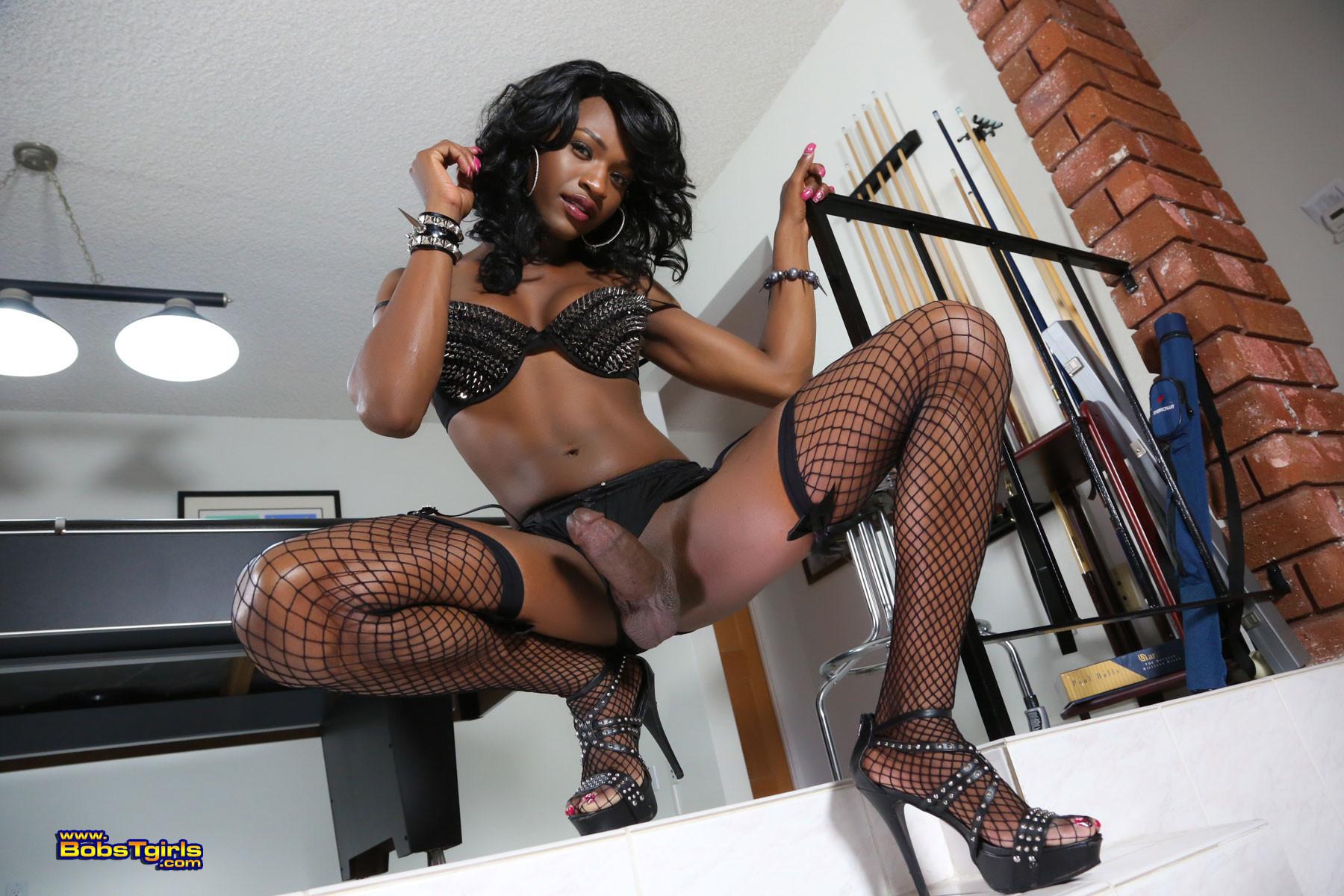 Heels in black tranny high