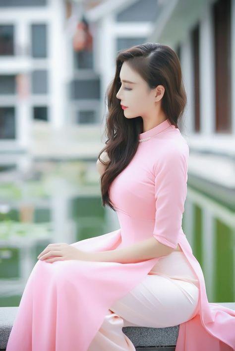 Hoang modell nackt yen vietnamesischen