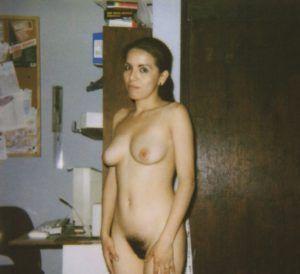 Frau back yard nackte amateur