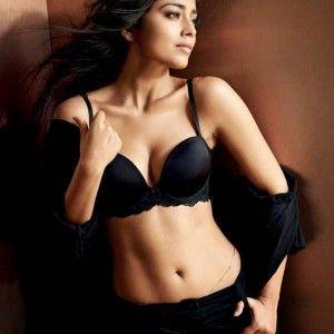 Schauspielerin nackt sud indische busty