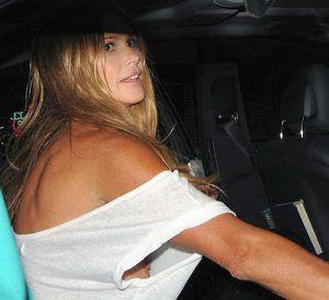 Frau mit kragen schlampe reife
