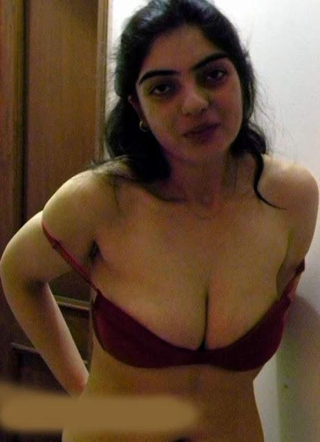Nackt nri hot mallu tantchen