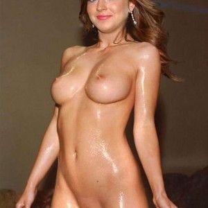 Mit sexy brille nackt brunette