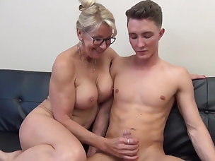 Mature pussy videos young free