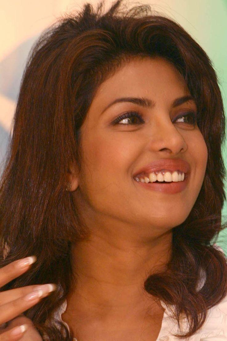 Bollywood schauspielerin bilder nackt priyanka chopra