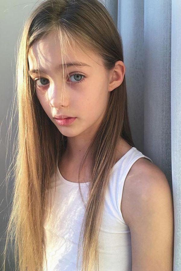 Young titten nude teen modell