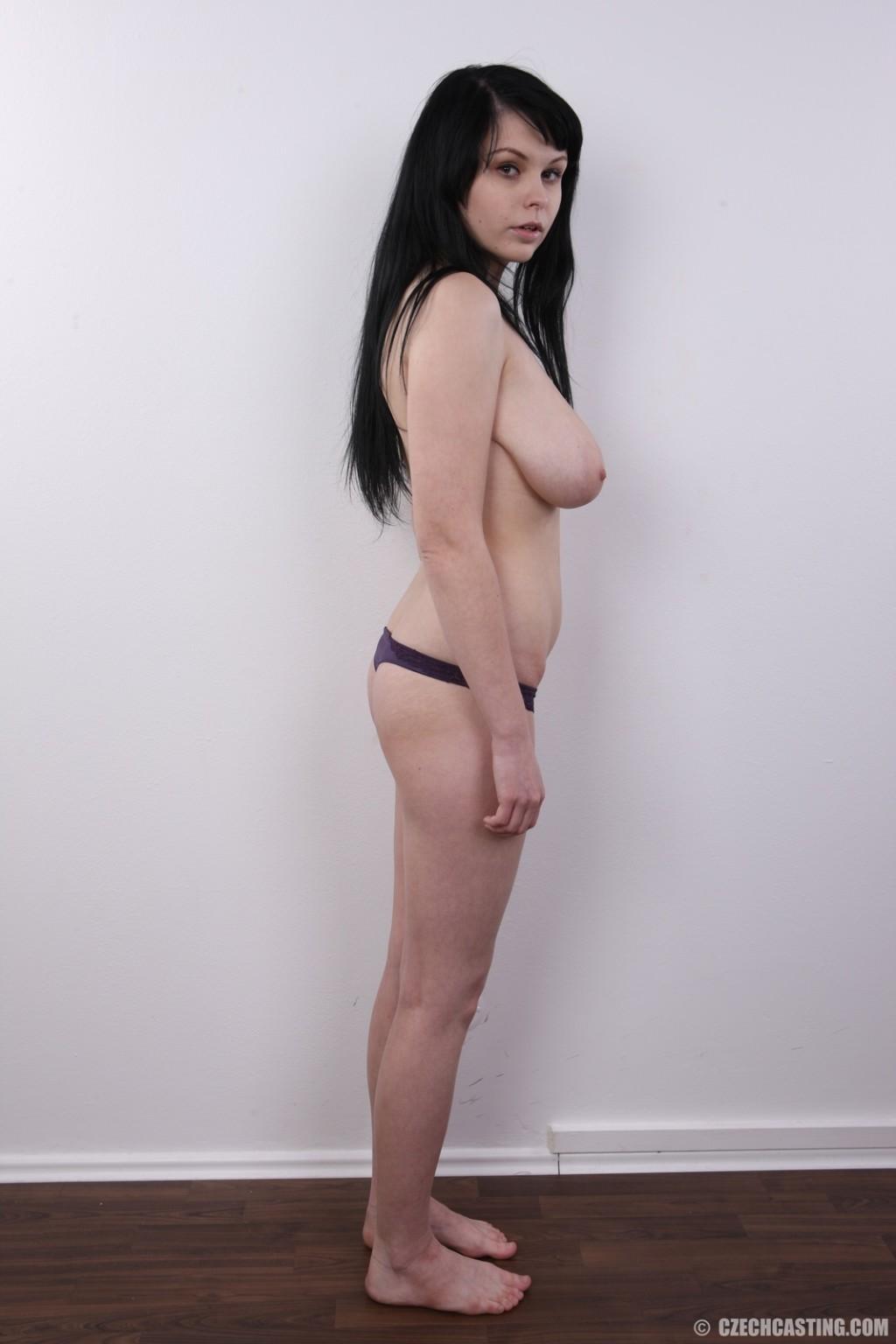 Tits brunette natural amateur big