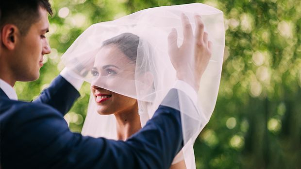 Hochzeitsnacht cheating frau impragniert auf