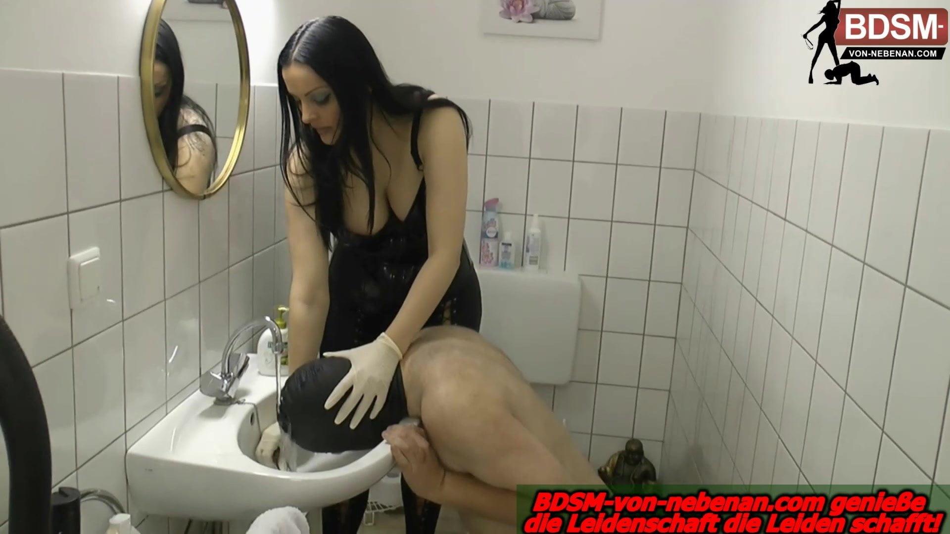 Slave vertrages femdom geschichten toilet