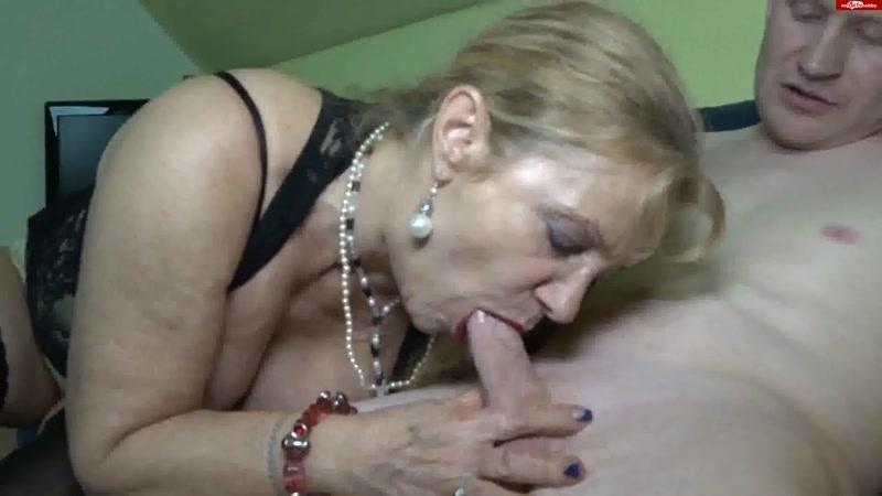 Sperma aus lippen pussy tropft der