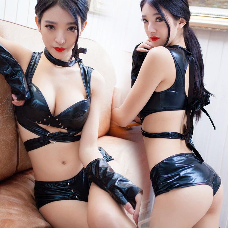 Slave porno sex shemale lesbian