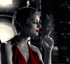 Titten von groen reifen zigaretten rauchen
