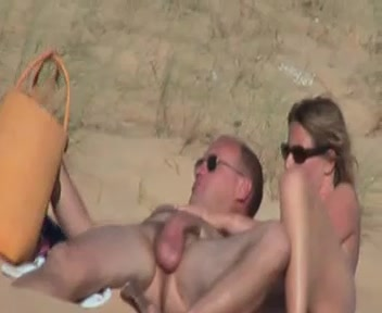 Am paar gefangen strand sex