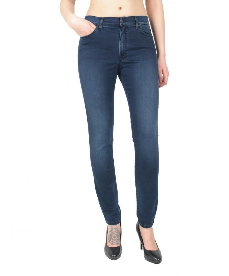 Und heels enge blaue jeans