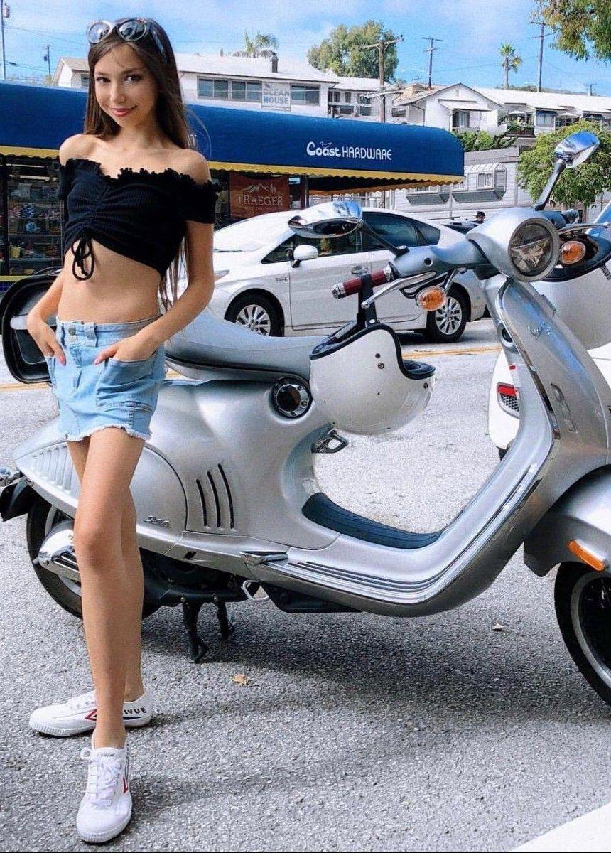 Madchen motorrader auf teen cute
