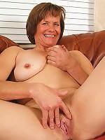 Hairy carmen pussy mom mature
