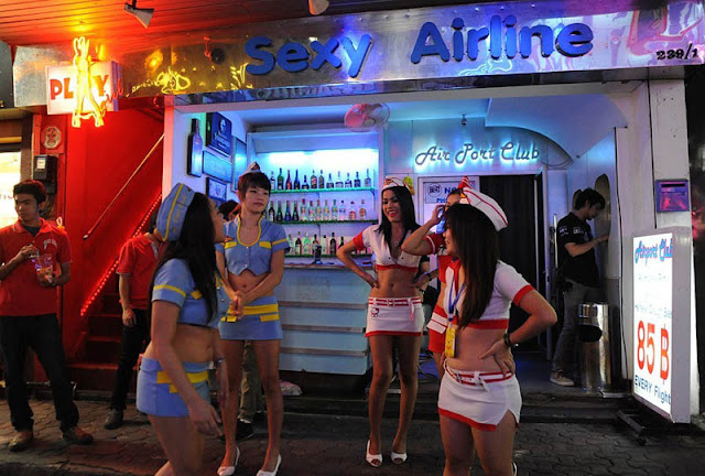 Pattaya girls street thailand walking