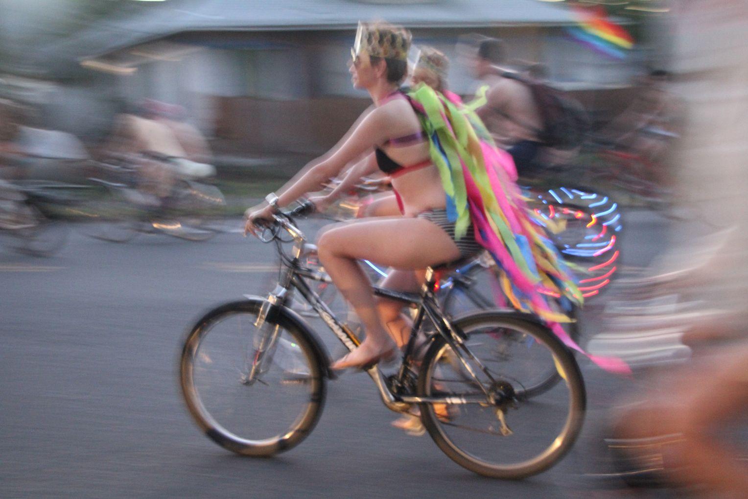 Oregon nackt hippie kuken portland