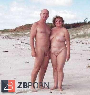 Beach bodenlose camps nackt in