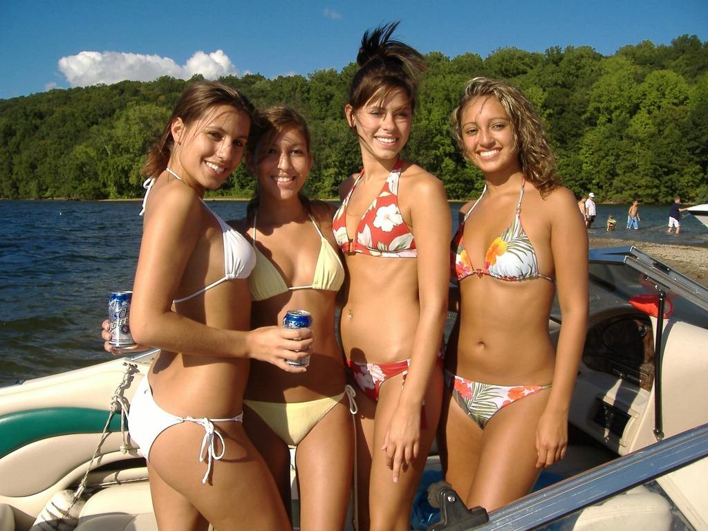 Frauen bubble hawaiian nackt buts