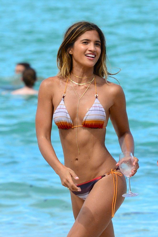 Candid bikini miami arsch beach