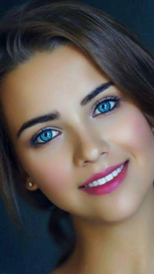 Frauen augen schone gesichter blaue