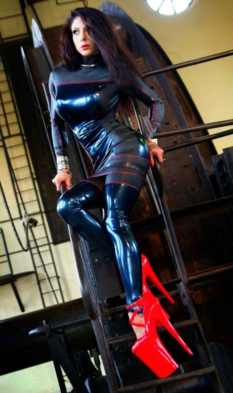 Und sexy high kleider heels latex