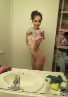 Babe perfekte nackt brunette korper