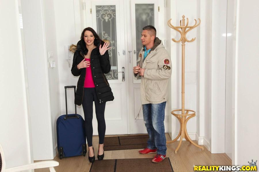 Kings mikes apartment inn reality suzi