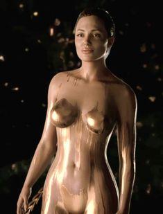 In bewulf jolie wirklich nackt war
