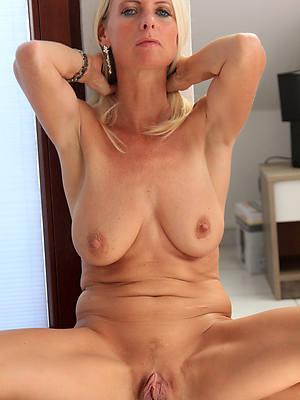 Natural big nackt tits blondine,
