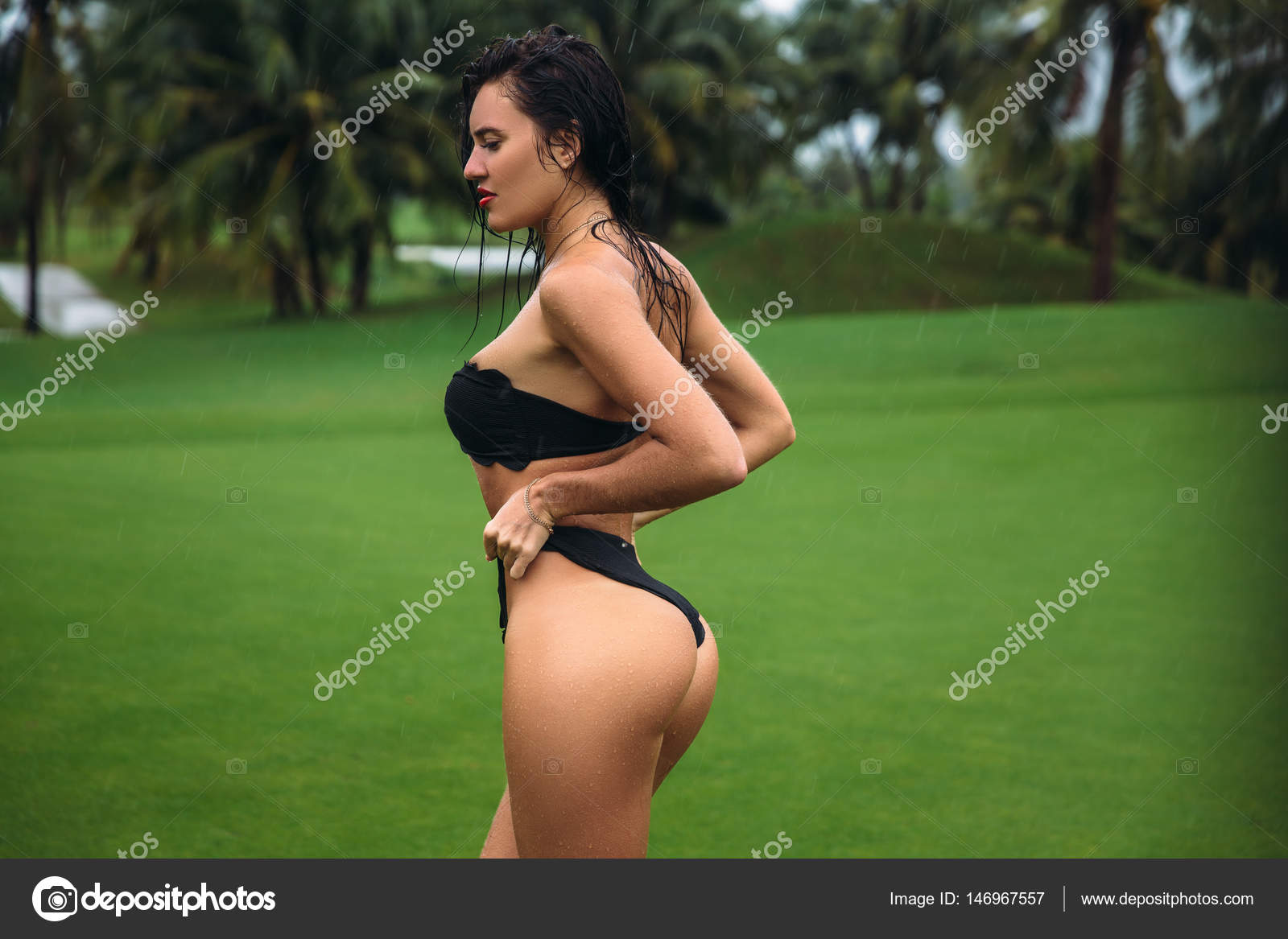 Madchen ebony in bikinis booty schwarze