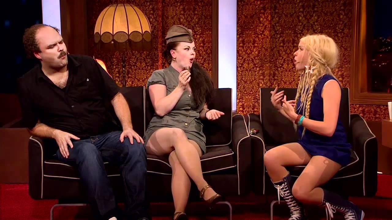Die talk show hosts upskirt frauen,