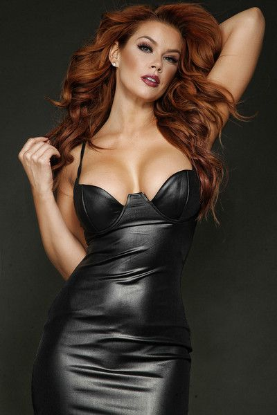 Leder dessous sexy hot redhead
