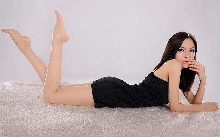 Heels legs high lesbian hot